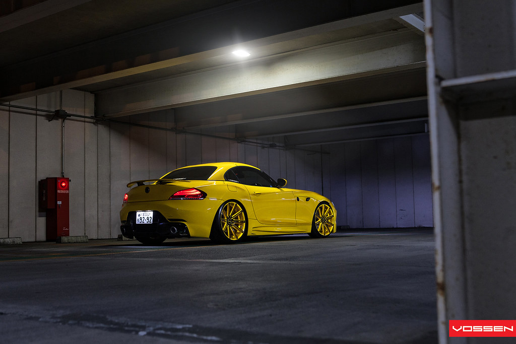 Trons Bmw Z4 Amazing Video Tokyo Japan Featuring