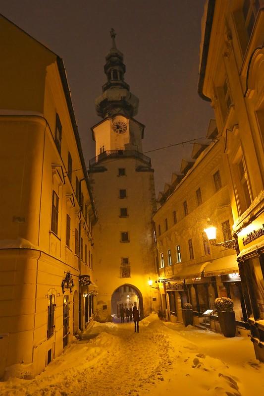 Центр Братиславы как дорогая бутафория в 3D E66A0973