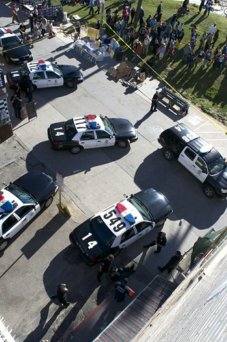 Commercial Vendor Strikes LAPD Officer: 1-20-13