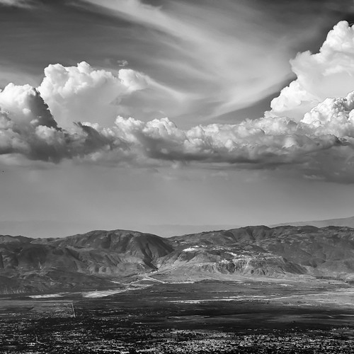 sky bw mountains monochrome clouds nikon scenery skies noiretblanc nikkor plains 18200 portauprince ouest haïti croixdesbouquets d300s visionqualitygroup petterphoto fortjacques fortalexandre