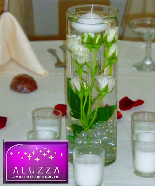 centro de mesa con vela flotante aluzza