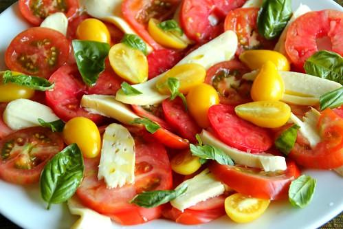 Tomato, Basil & Mozzarella Salad 3