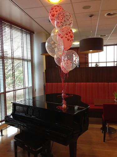 Tafeldecoratie 5ballonnen Valentijnsdag Erasmus Universiteit Rotterdam