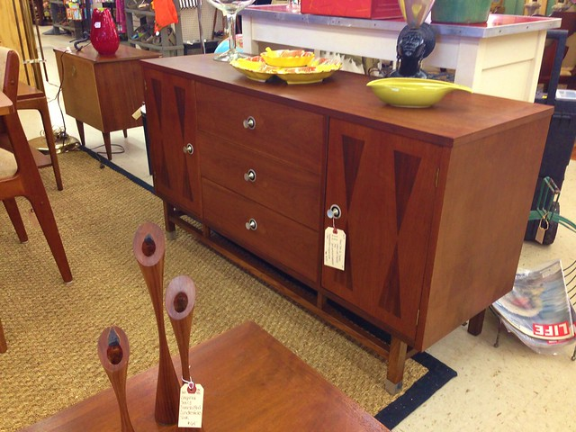 mid-century-credenza-by-stanley