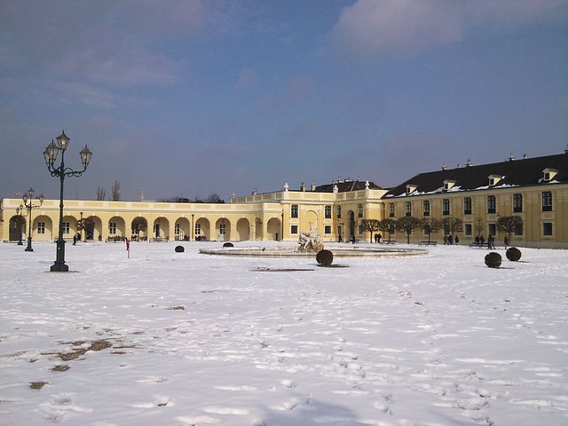 Spring is coming to Schönbrunn (3)