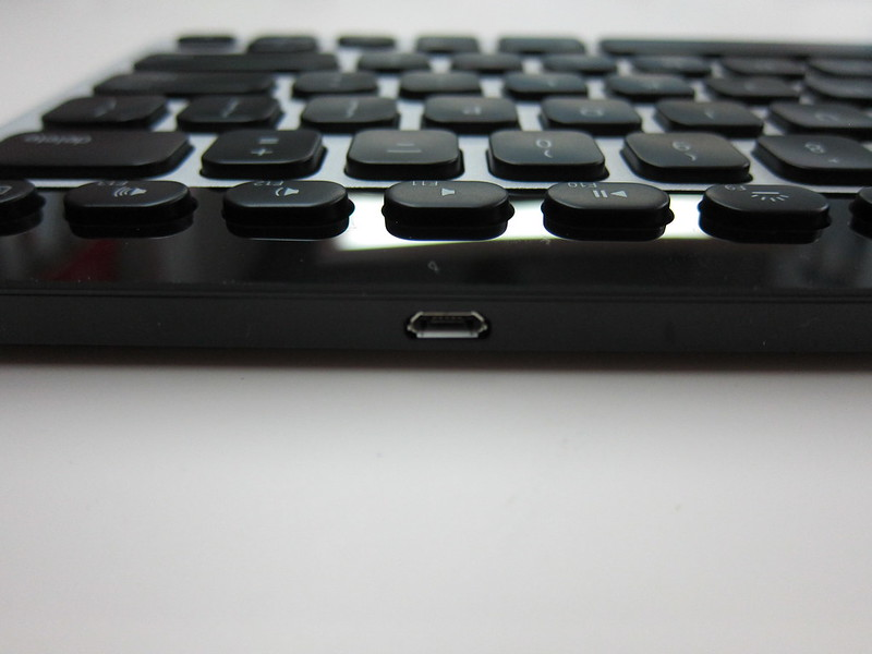 Logitech Bluetooth Easy-Switch Keyboard - MicroUSB Charging Port