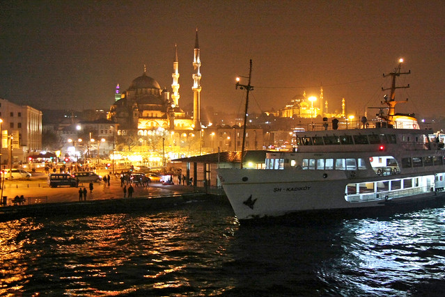 Eminonu in the night, Istanbul, Turkey イスタンブール、エミノニュの夜景