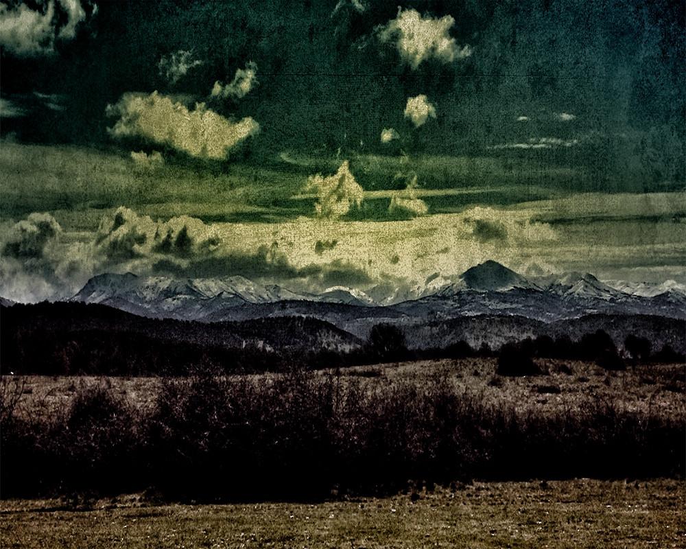 Texture #4 La montagna al crepuscolo. Catena  del Gennargentu.