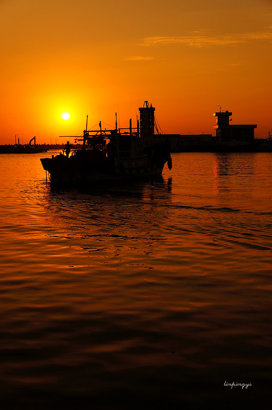 一個南部的小漁港  <蚵仔寮>