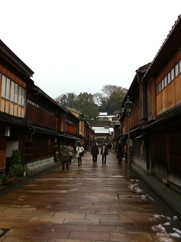 Continuing the way through Higashi Chaya district