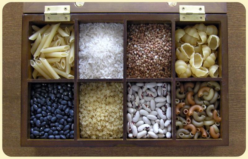 Развивающие игры с крупой (манкой, гречкой, рисом...фасолью и макаронами)