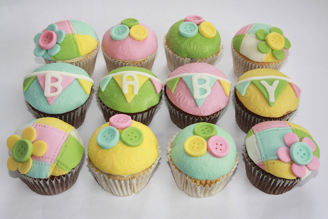 Baby Shower cupcakes Flickr - Photo Sharing!