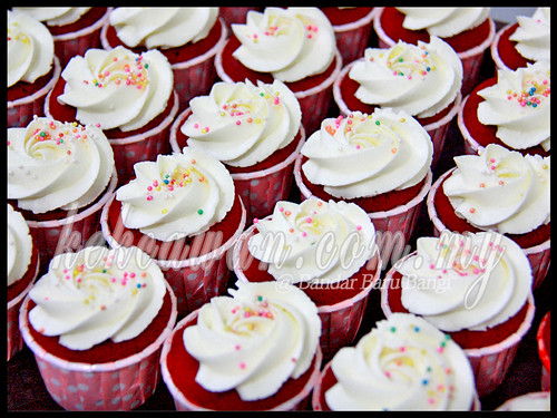 Red Velvet Cupcakes for Birthday