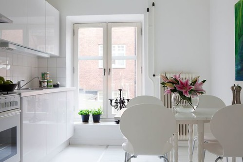 white kitchen 29