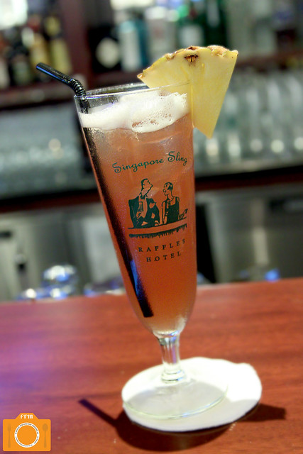 Long Bar Classic Singapore Sling