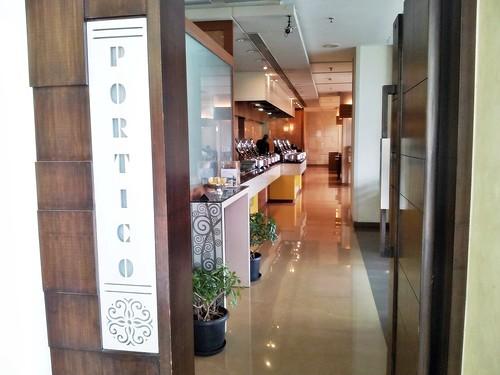 Sayaji Hotel Pune 08 - The Portico