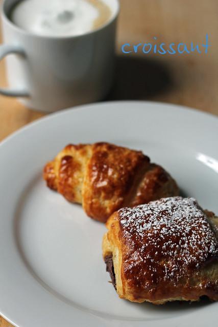 croissants (& pains au chocolat)