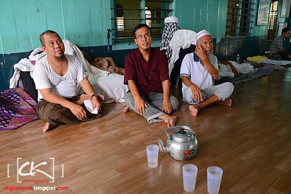 Masjid_Bandar_Kuching_01