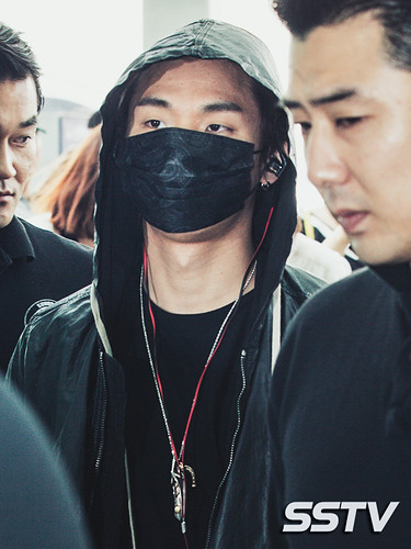 BIGBANG Incheon Airport to Shanghai Press 2015-06-19 055