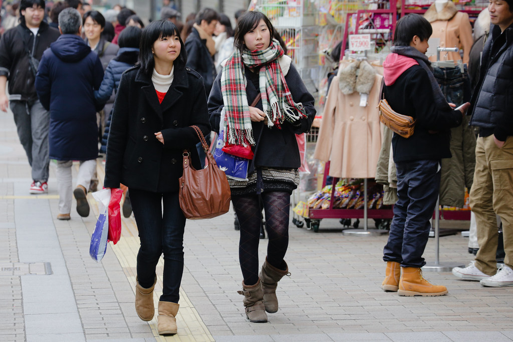 Kanocho 5 Chome, Kobe-shi, Chuo-ku, Hyogo Prefecture, Japan, 0.003 sec (1/320), f/7.1, 176 mm, EF70-300mm f/4-5.6L IS USM