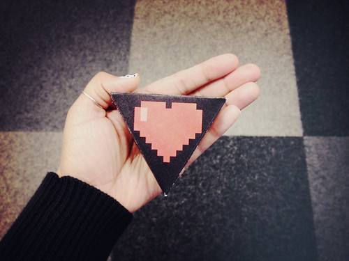 DIY 8-bit heart boxes