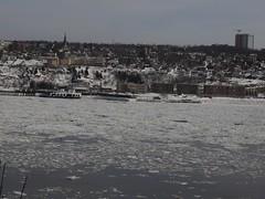 月, 2013-01-28 14:28 - 流氷が流れるセントローレンス川