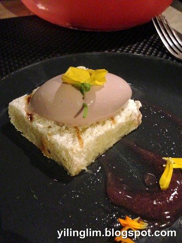 Small plate - Foie gras parfait, brioche, cranberry