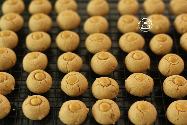 Nasi Lemak Lover: Old Fashioned Chinese Peanut Cookies 花生饼
