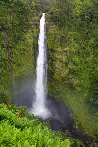 green landscape hawaii waterfall