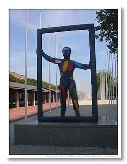 Marc by Robert Llimós