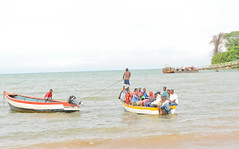 Fishing families on Lake Malawi, Karonga District. Many fisherfolk have said they have been beaten up and detained by Tanzanian police since the dispute over the lake began late last year. Credit: Mabvuto Banda/IPS