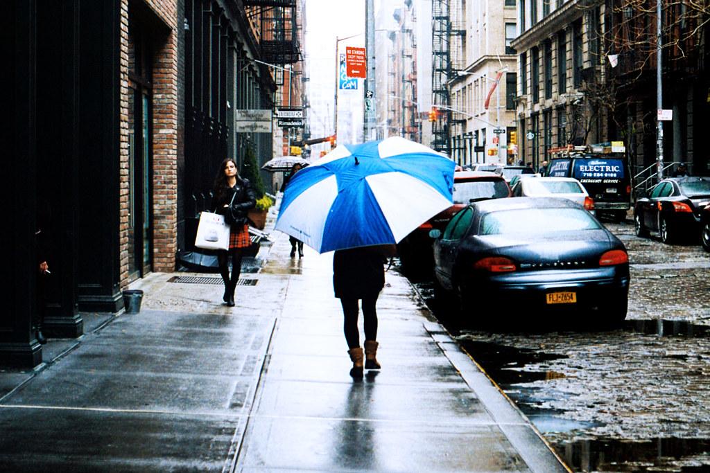 Large Umbrella (Film)