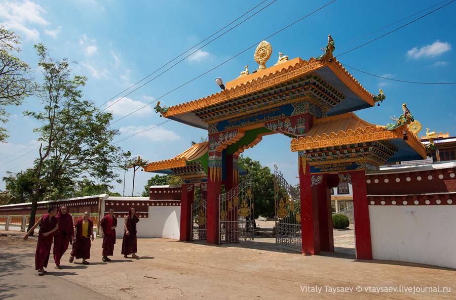 Tibetan Temple gates