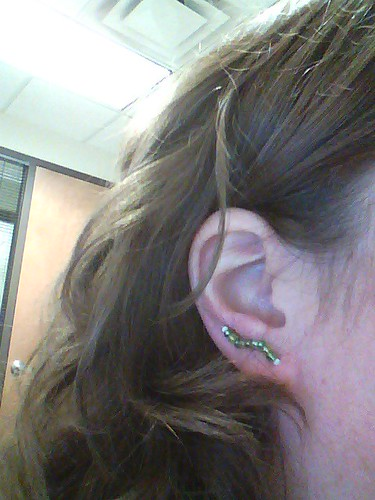 IC 5: Green: Beaded Ear pins