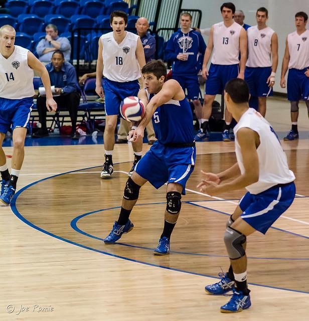 IPFW men's volleyball - libero serve receive | Flickr ...