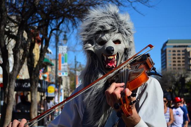 Wolf Busker