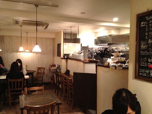 店内はいい感じのカフェ@boji