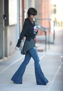 Katie Holmes Flared Jeans Celebrity Style Women's Fashion