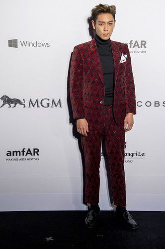 TOP - amfAR Charity Event - Red Carpet - 14mar2015 - Vogue Italy - 01