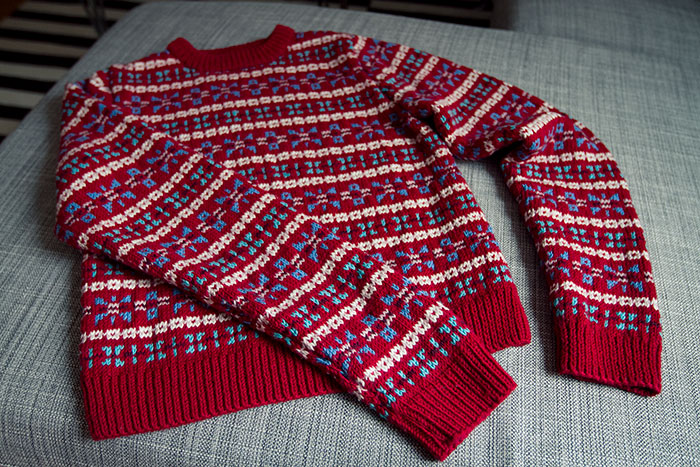 Long-sleeved fairisle sweater
