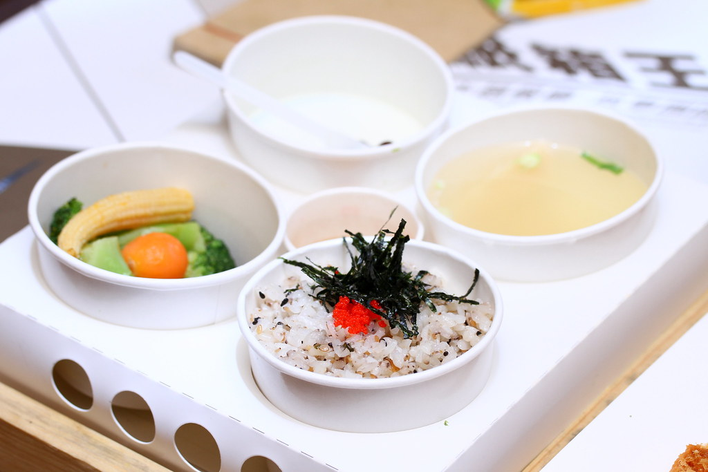 Carton King Creativity Park's olive rice, soup, vegetables and dessert set