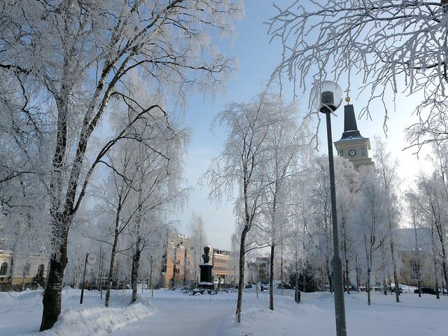 El centro de Oulu, nevado