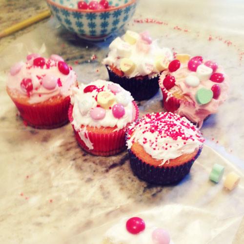 art-heart-cupcakes