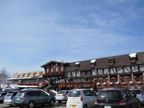 北八ヶ岳ロープウェイ山麓駅・レストランの建物 by Poran111