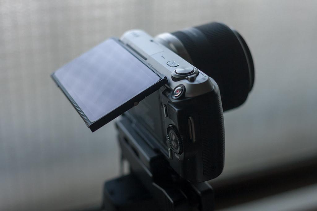 NEX-C3 + SIGMA 30mm F2.8 EX DN