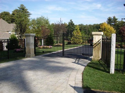 Contact American Fence Company of Hickory | (828) 393-0061