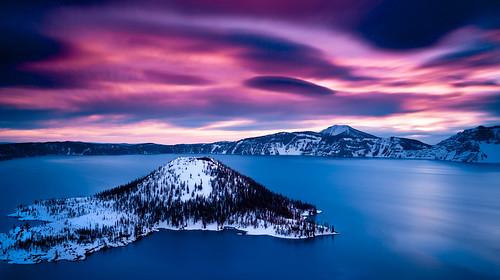 longexposure winter snow clouds oregon sunrise dawn craterlake wizardisland