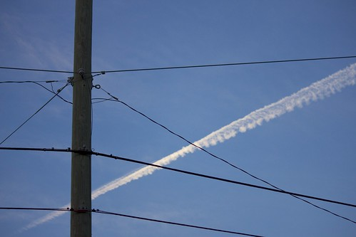 blue sky contrail connectors crossedwires 2013365 dailyphoto13