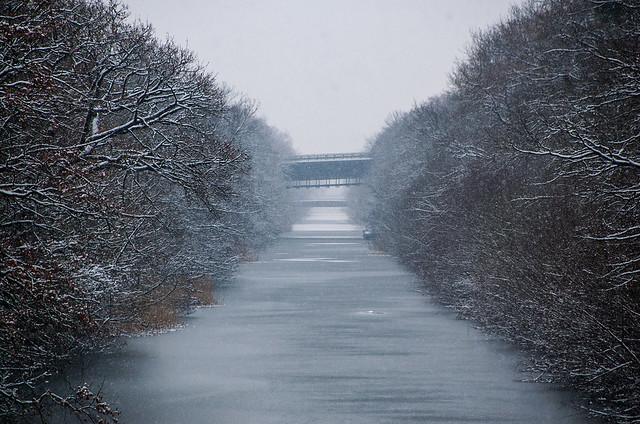 Promenade dans la neige - Canal de la Moselle