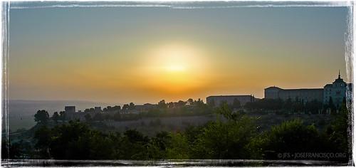 morning sky españa sunrise spain nikon europa europe d70 1870mmf3545g toledo es nikkor castillalamancha academiadeinfantería 200407030770